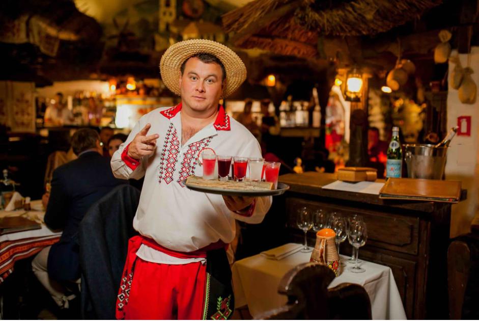 Где стоит побывать и поесть в Киеве